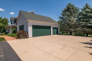 1052 Ridge Crest Lane NW, Rochester, MN 55901