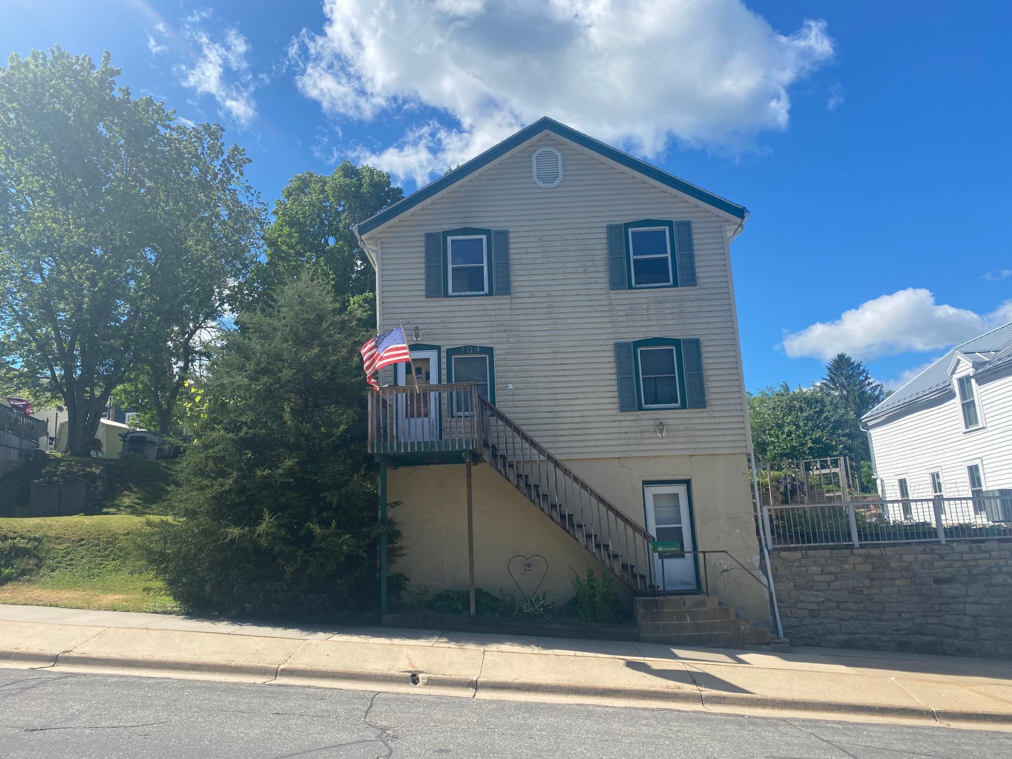 109 Elmwood Street E, Lanesboro, MN 55949
