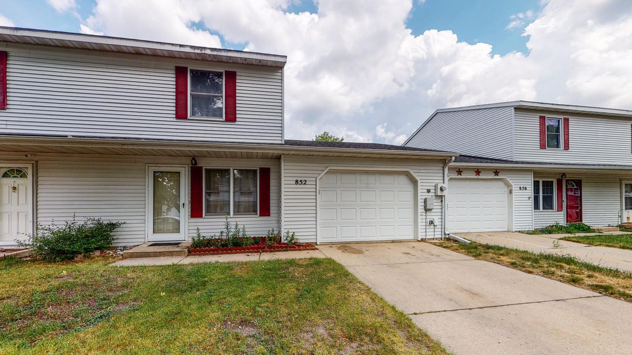 852 W Village Circle SE, Rochester, MN 55904