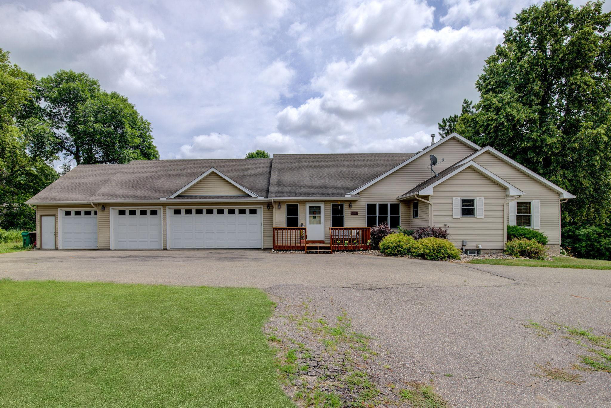 One story walkout with privacy on 1.5 Acres