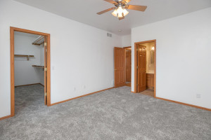 102 Spruce St Fountain MN-large-017-023-Master Bedroom-1500x1000-72dpi
