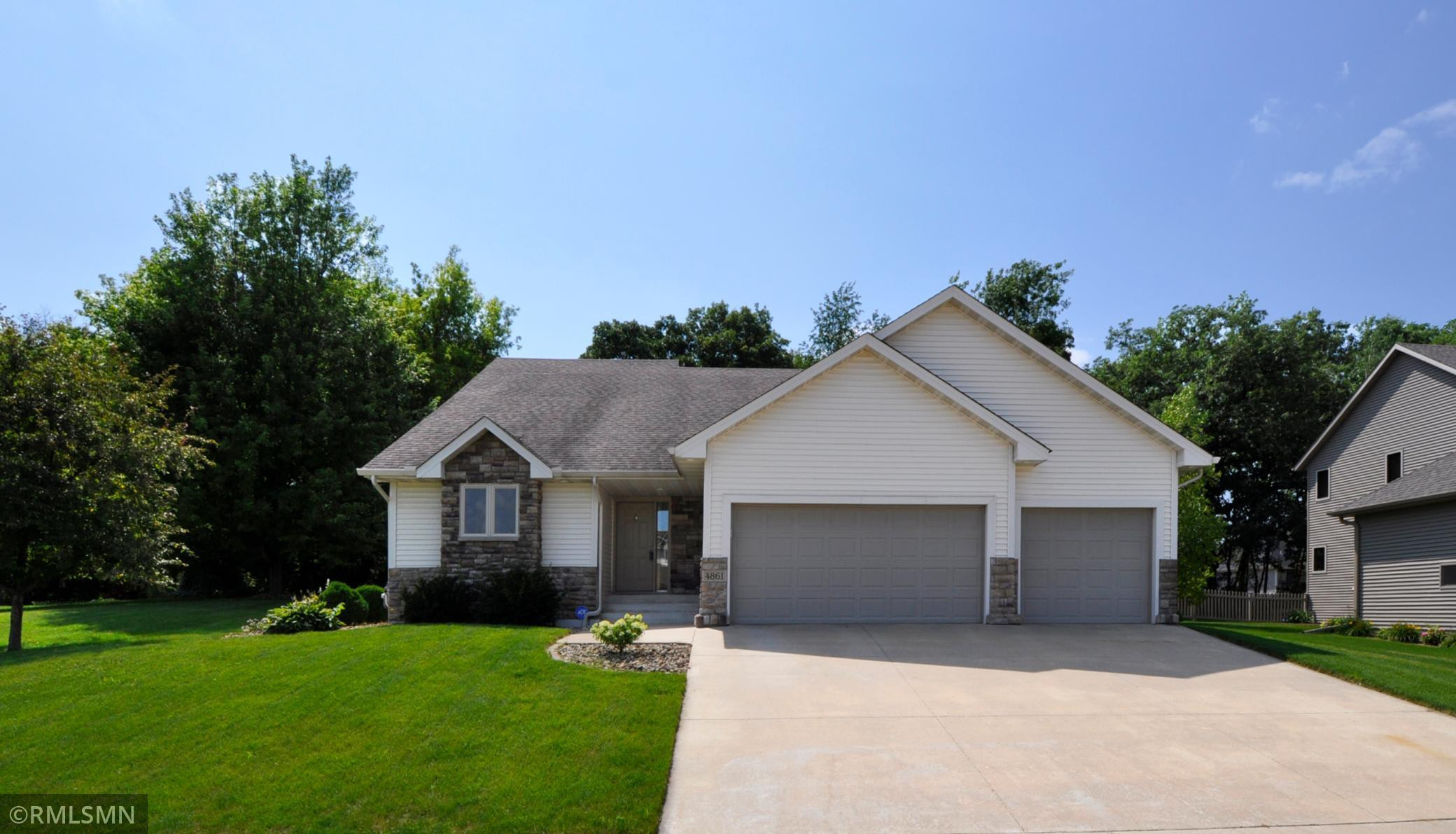 4861 Scenic View Drive SW, Rochester, MN 55902