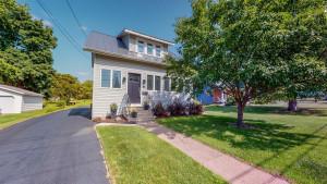 12 Burr Oak Avenue NE, Chatfield, MN 55923