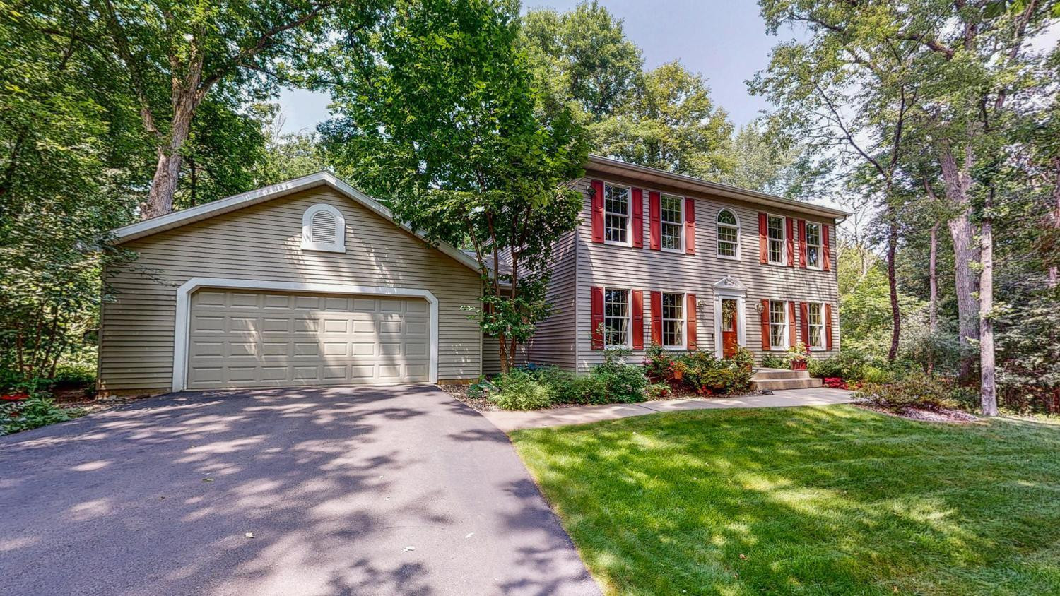 6951 Cottonwood Court NW, Rochester, MN 55901