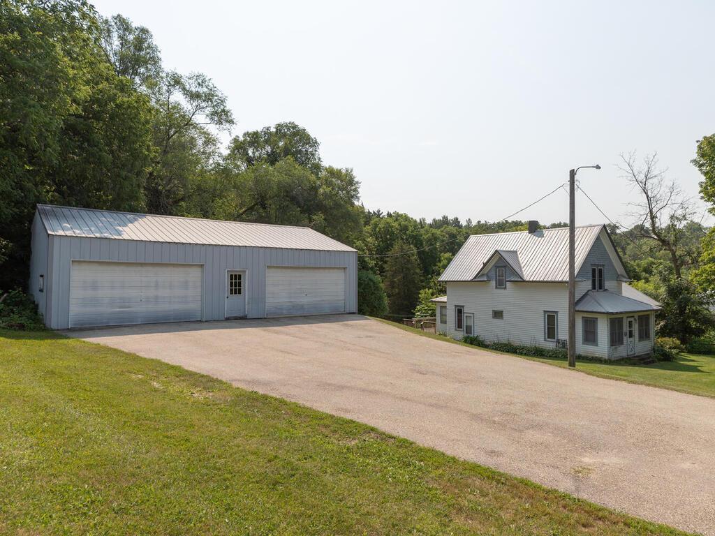 100 Zenith Street, Lanesboro, MN 55949
