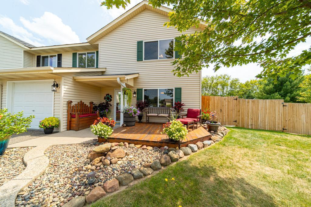 Beautifully maintained front yard, great for entertaining or quiet nights out on the patio.