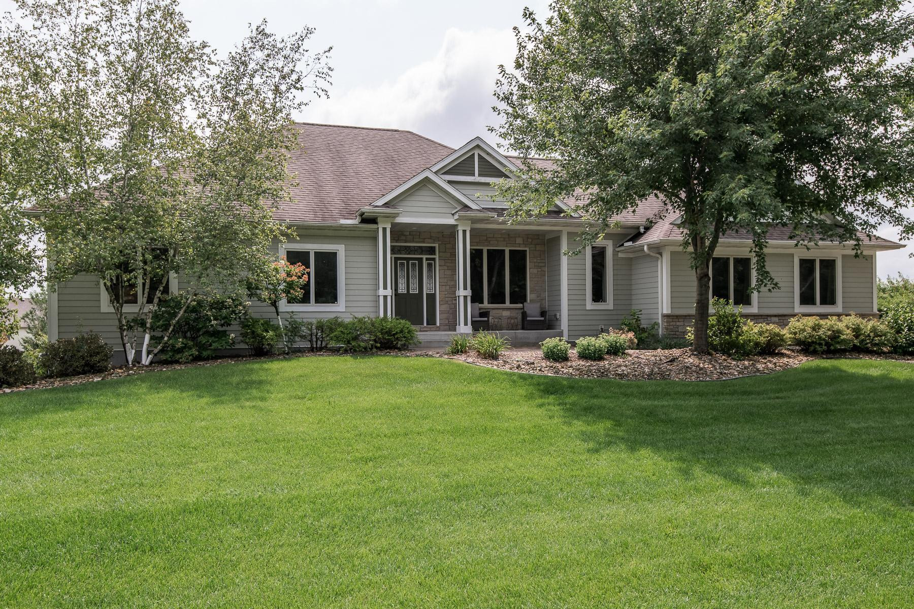 1220 Westhill Drive SW, Rochester, MN 55902