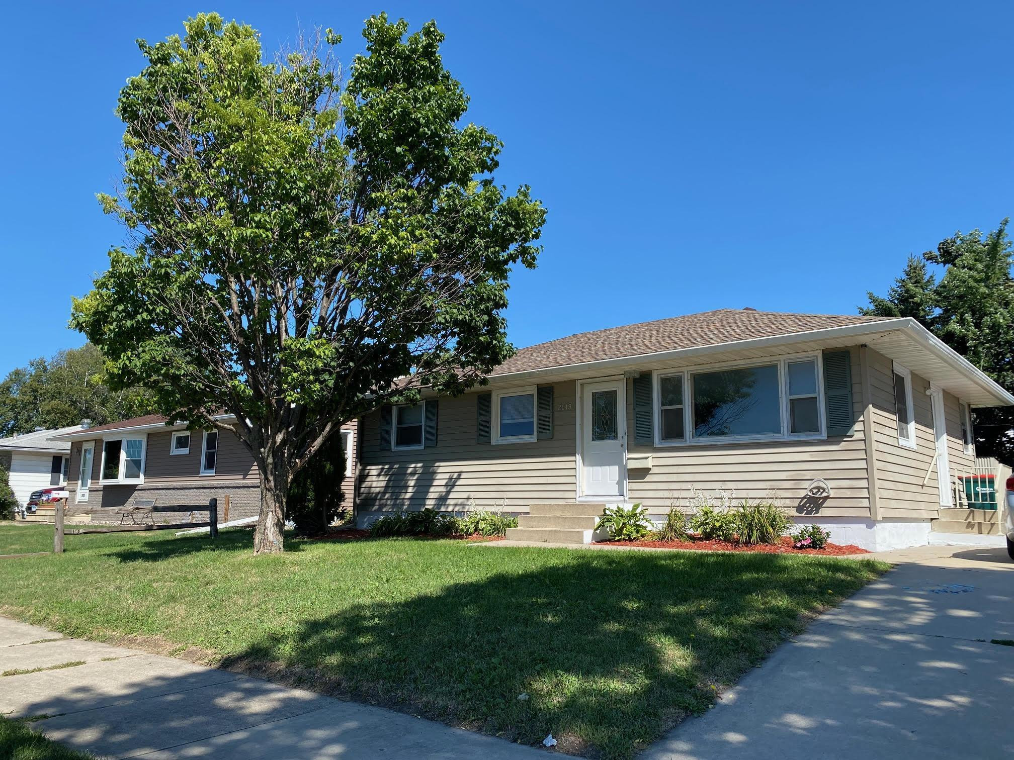 2019 15th Street NW, Rochester, MN 55901