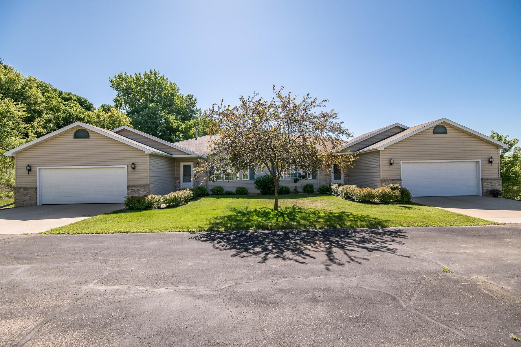 4452 Meadow Lakes Drive NW, Rochester, MN 55901
