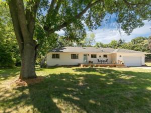 507 Woodland Drive, Burnsville, MN 55337