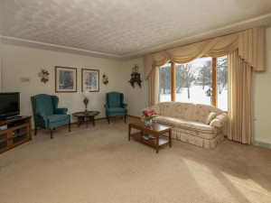 702 30th St NW Austin MN 55912 USA-004-003-Living Room-MLS_Size