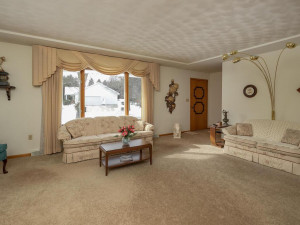 702 30th St NW Austin MN 55912 USA-003-004-Living Room-MLS_Size