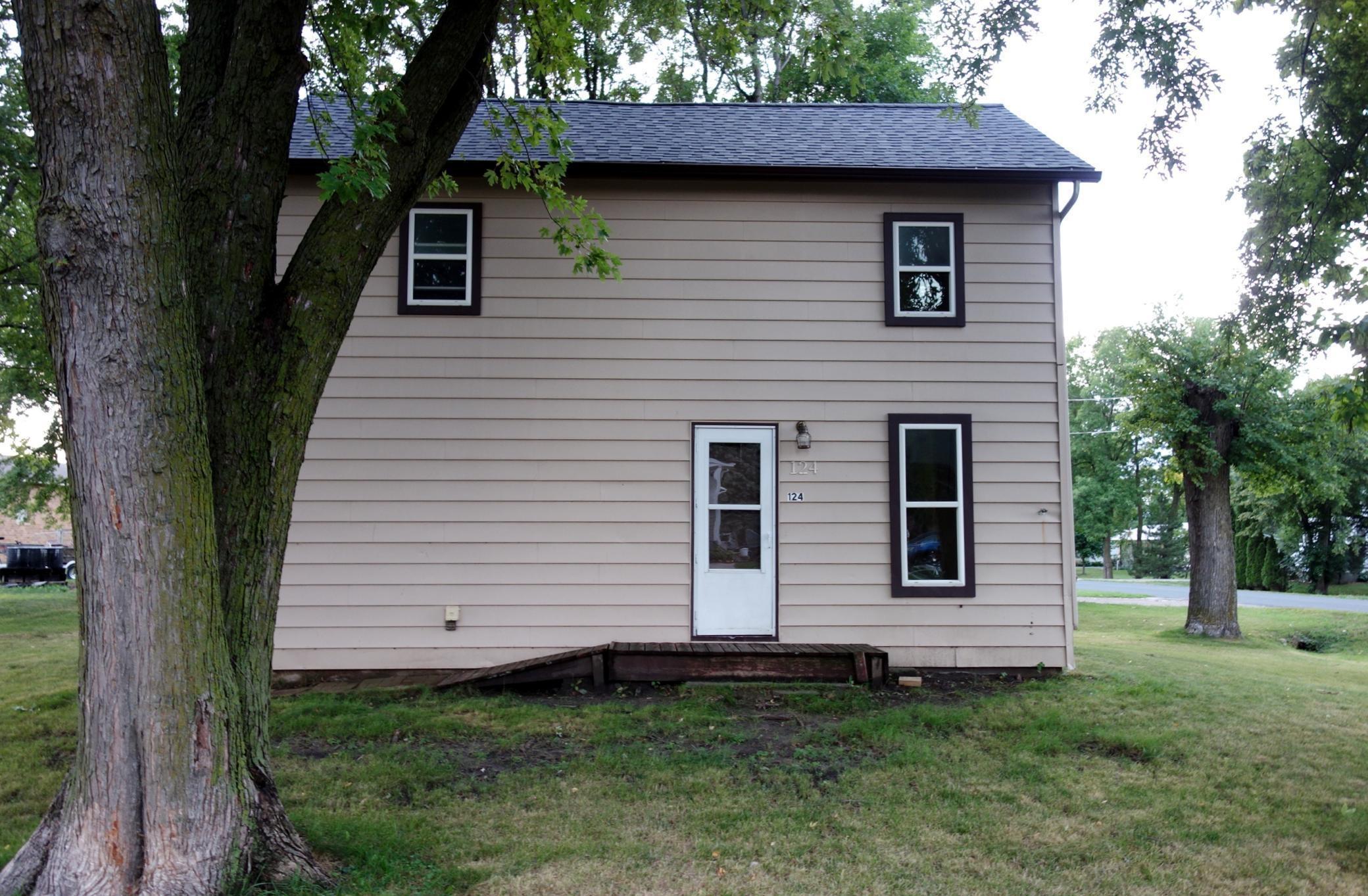 124 Oak Street, Claremont, MN 55924