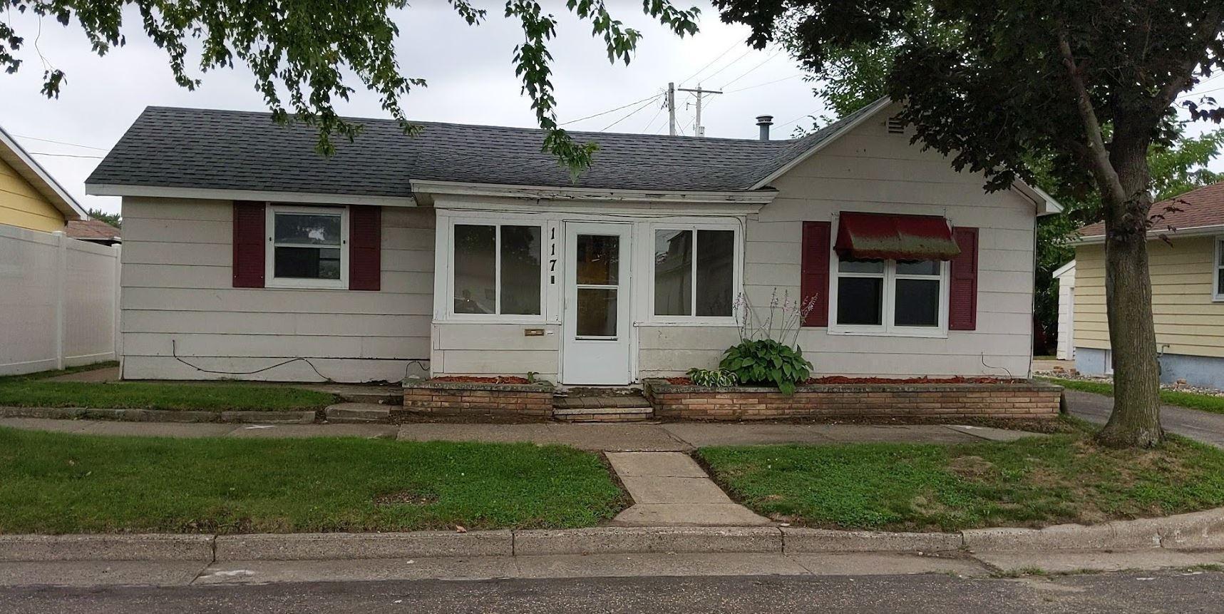 117 Chestnut Street, Winona, MN 55987