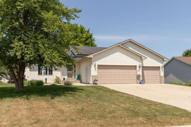 1130 Foxtail Ln SE Owatonna MN-small-002-004-Front View-666x444-72dpi