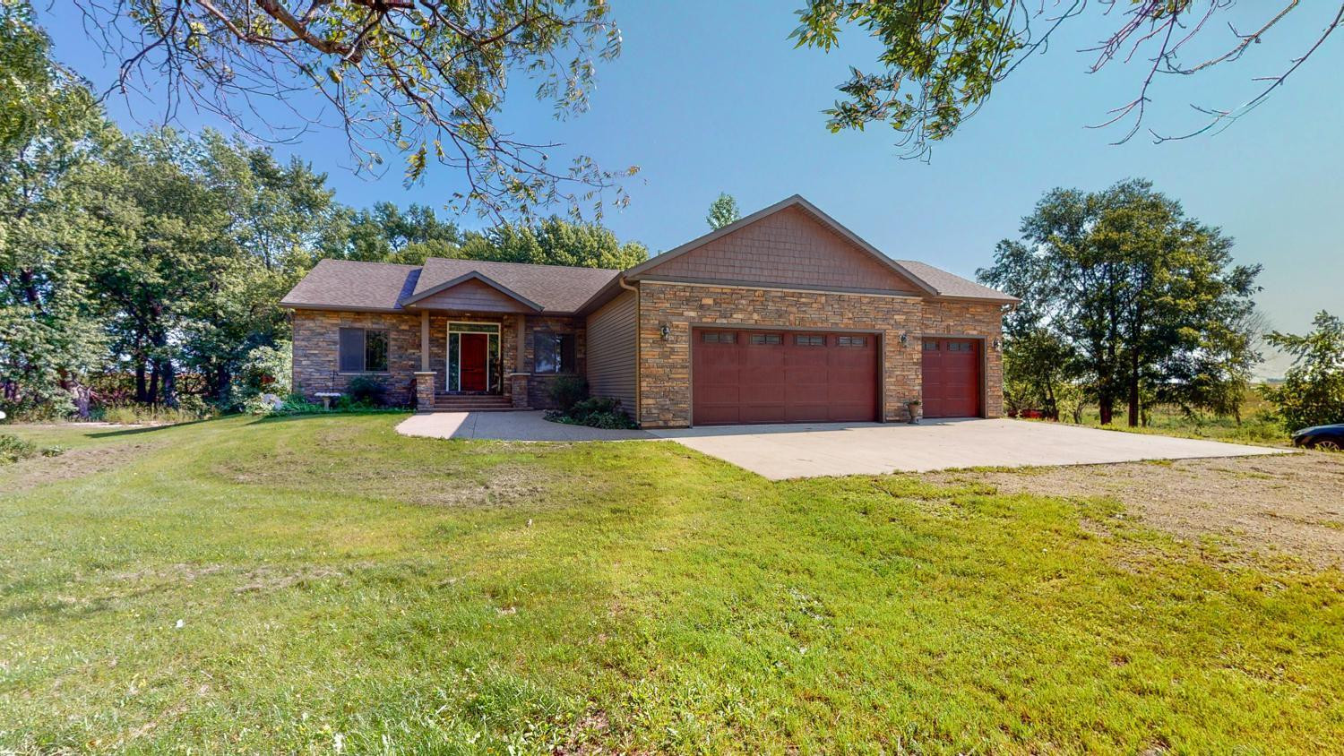 25094 600th Avenue, Brownsdale, MN 55918