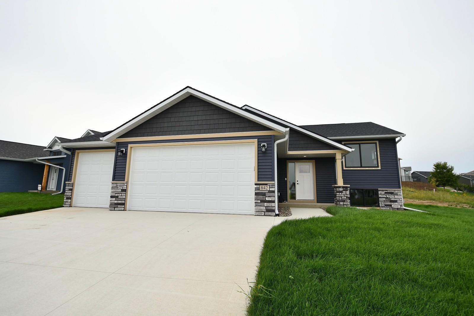 842 Towne Drive NE, Byron, MN 55920