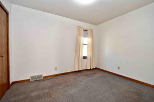 825 W 11th Street, Winona, MN 55987