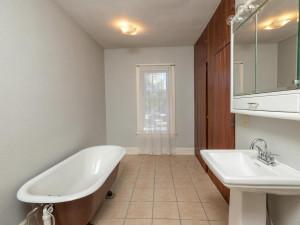 415 Twiford St SW Chatfield MN 55923 USA-025-020-Bathroom-MLS_Size