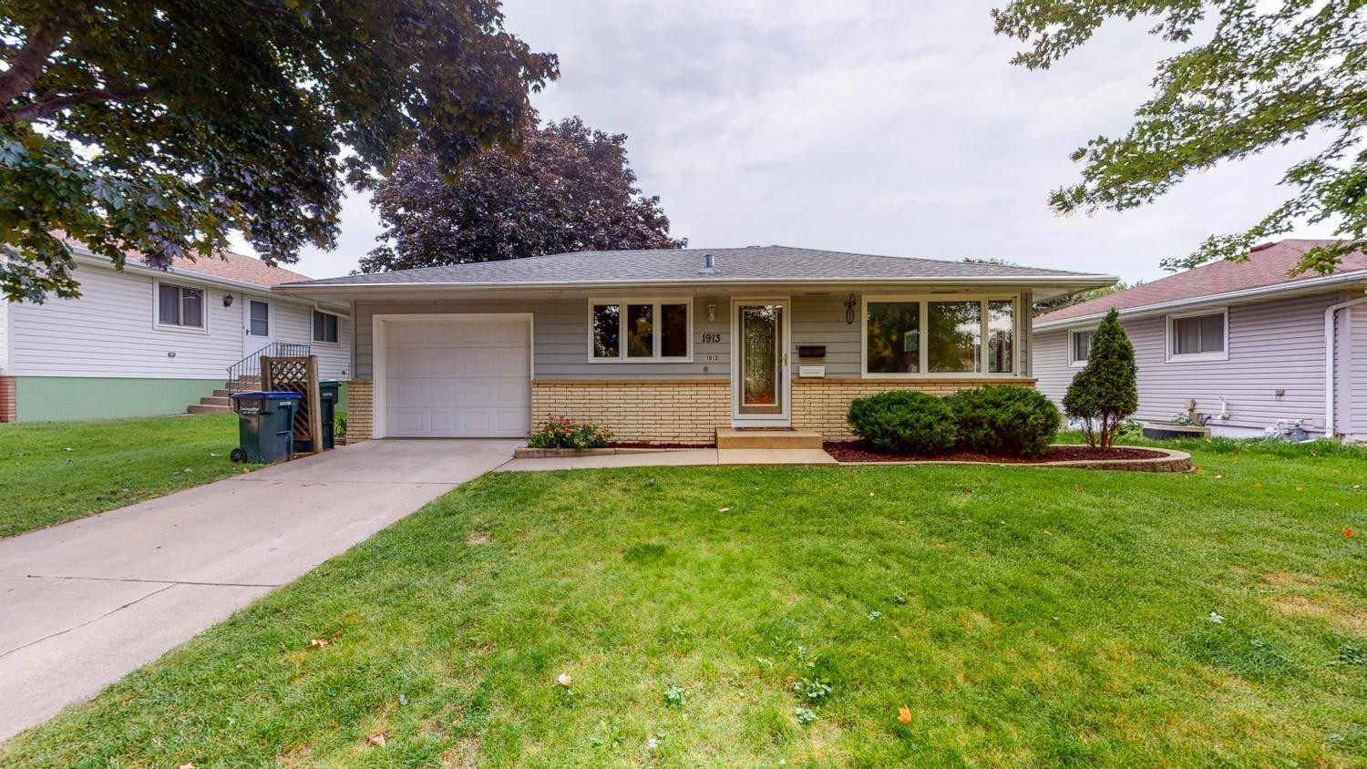 1913 22nd Street NW, Rochester, MN 55901