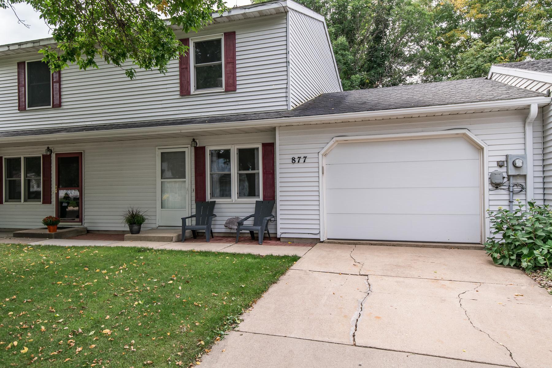 877 W Village Circle SE, Rochester, MN 55904