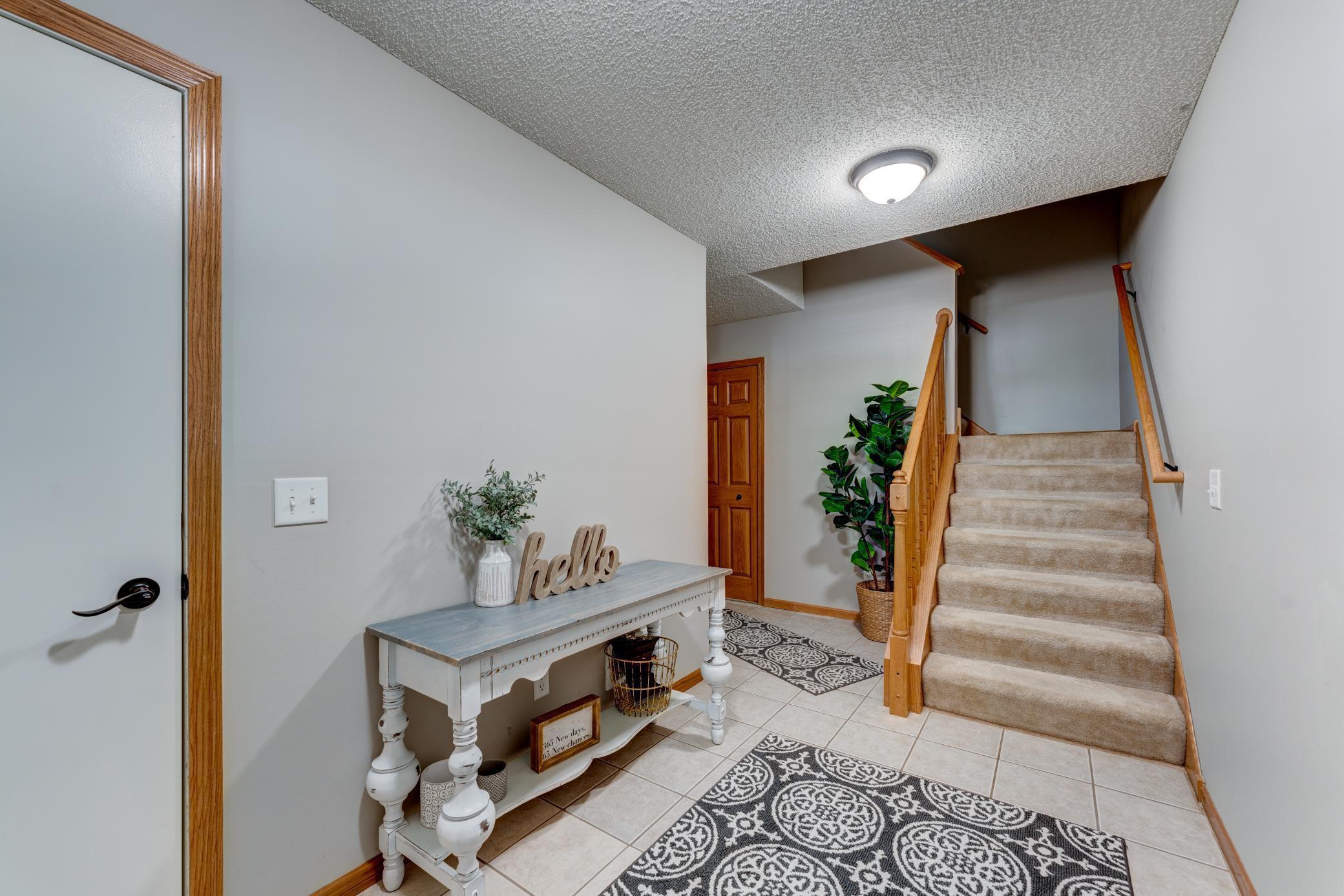 6772 Pine Crest Trail S, Cottage Grove, MN 55016