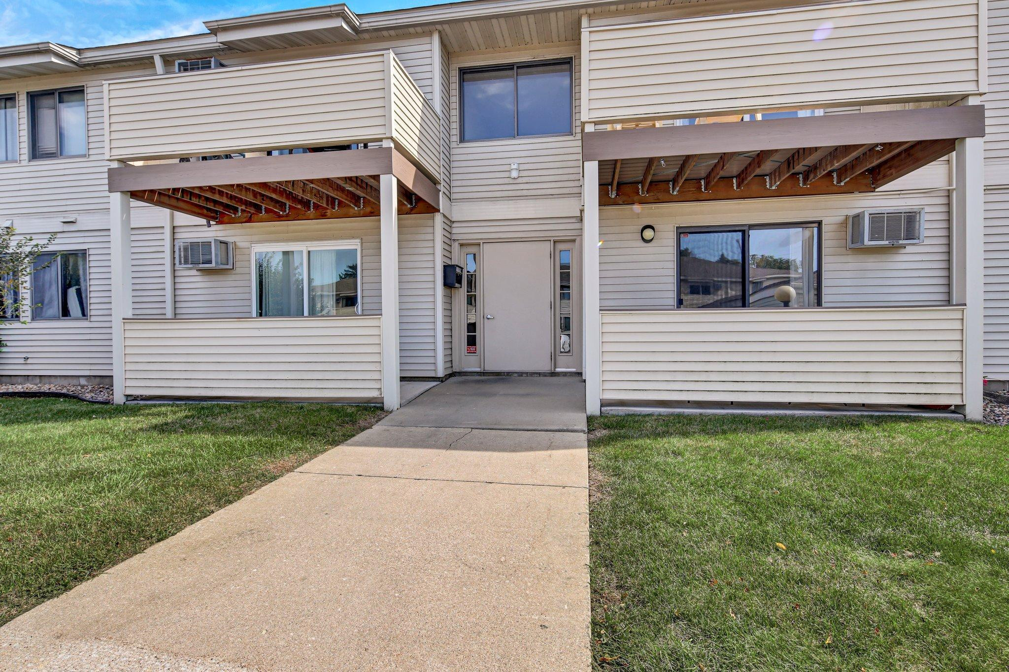 2120 Valleyhigh Drive NW, Rochester, MN 55901