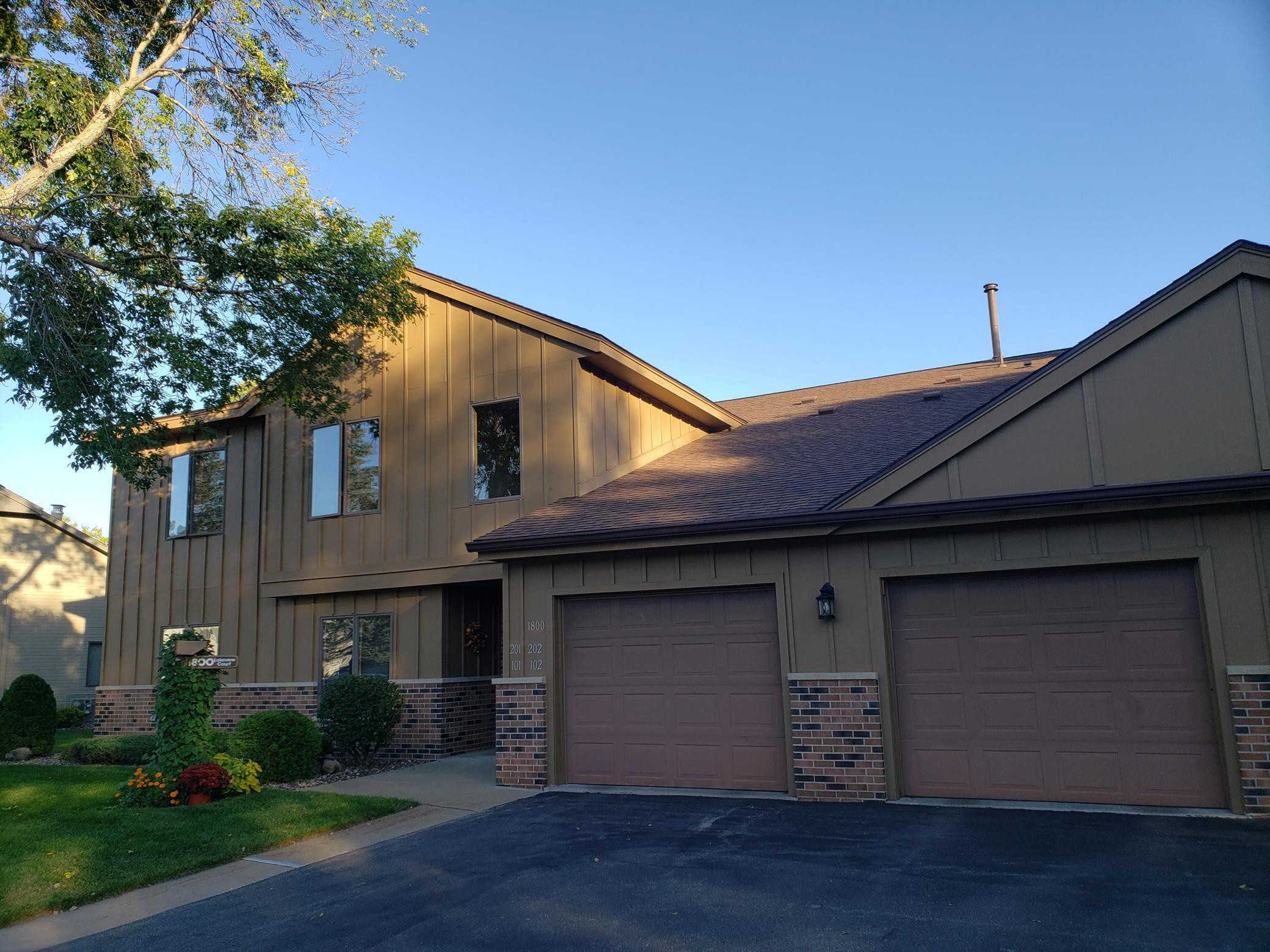 1800 Lakeview Court SW, Rochester, MN 55902