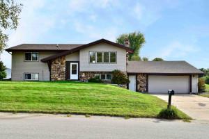 441 Fireside Drive, La Crescent, MN 55947