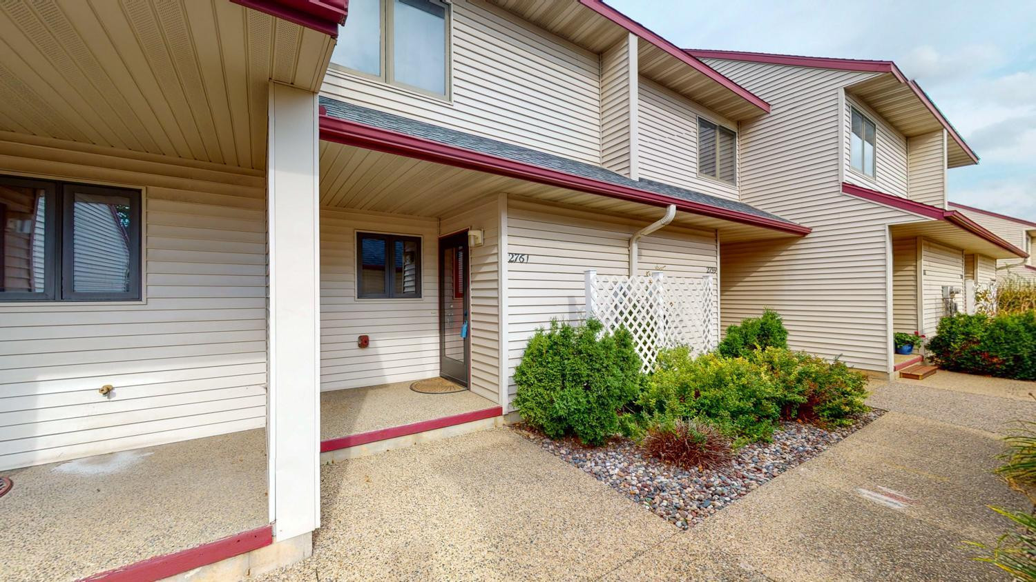 2761 Charles Court NW, Rochester, MN 55901