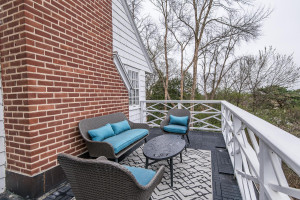 Great upper level deck with amazing views!