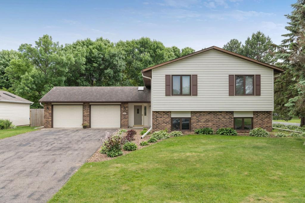 10421 108th Place N, Maple Grove, MN 55369