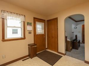 1312 4th St NE Rochester MN-009-008-Kitchen-MLS_Size