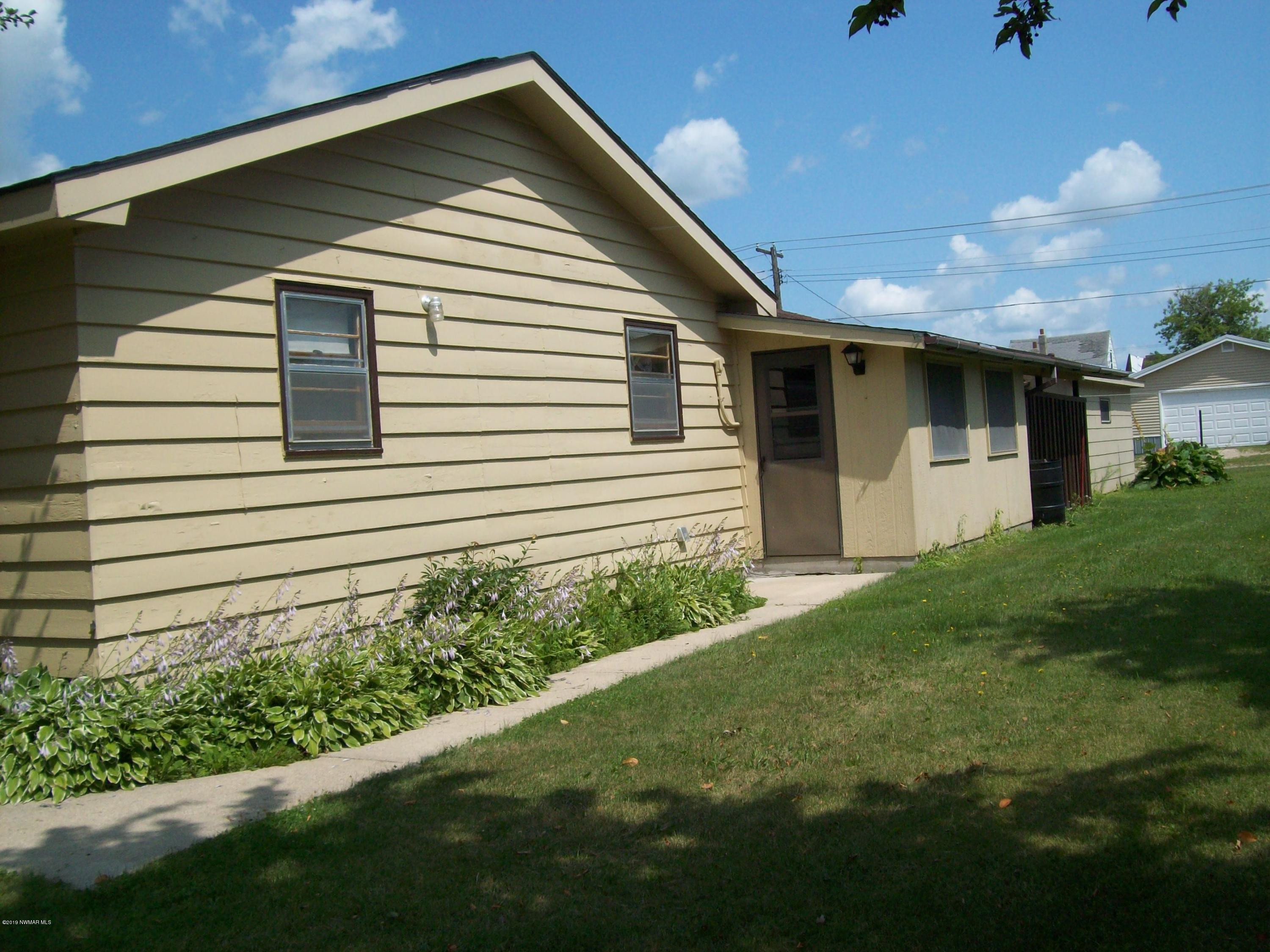 150 5th Street N, Greenbush, MN 56726