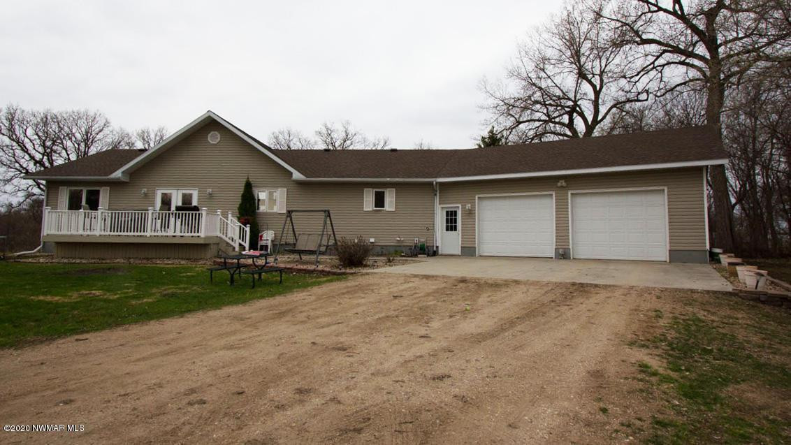 12719 oak grove Road, Thief River Falls, MN 56701