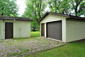 201 9th Avenue SE, Roseau, MN 56751