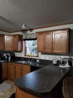701 7th Lakewood Avenue, Warroad, MN 56763