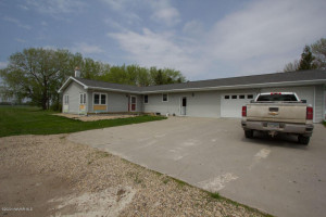 27704 260TH Avenue NW, Warren, MN 56762