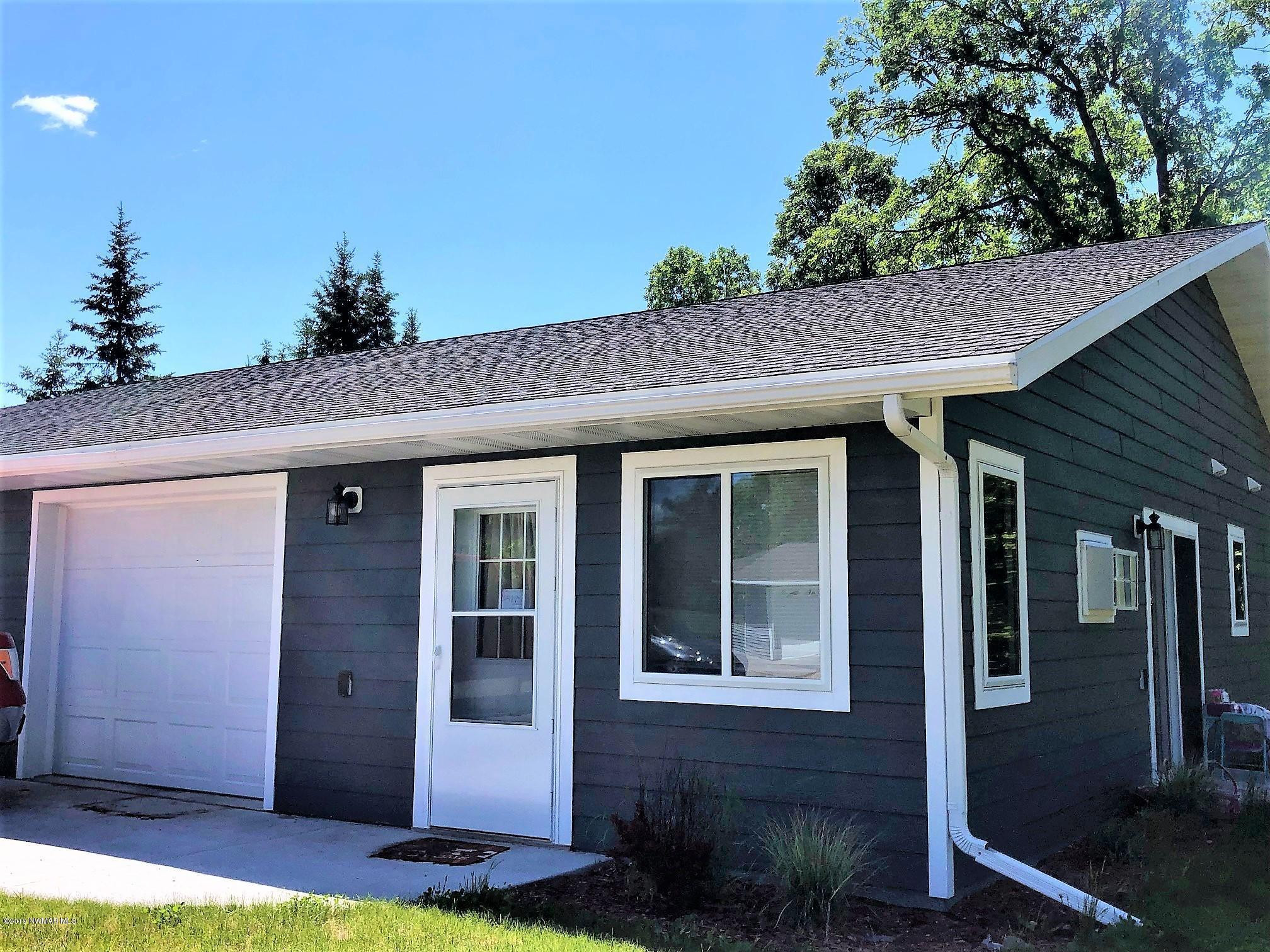 204 West Poplar Unit B Avenue, Badger, MN 54479