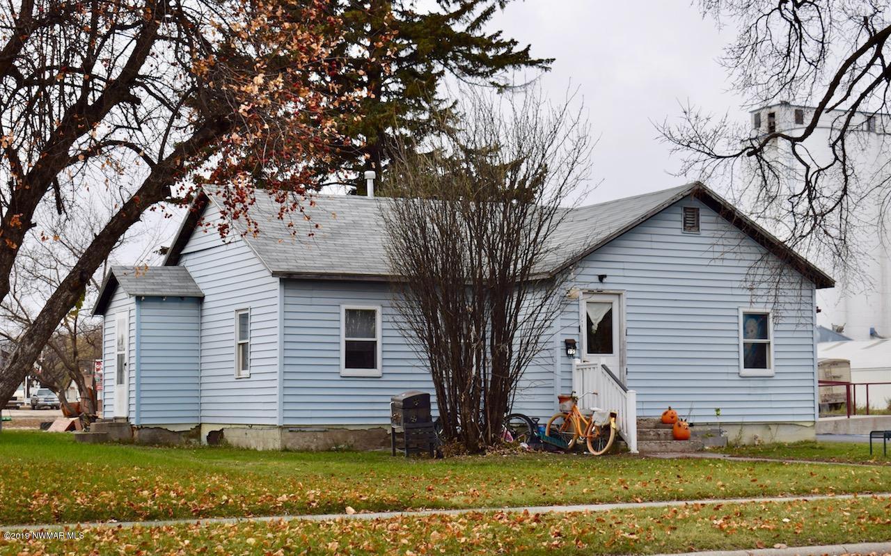 721 Dewey Avenue N, Thief River Falls, MN 56701