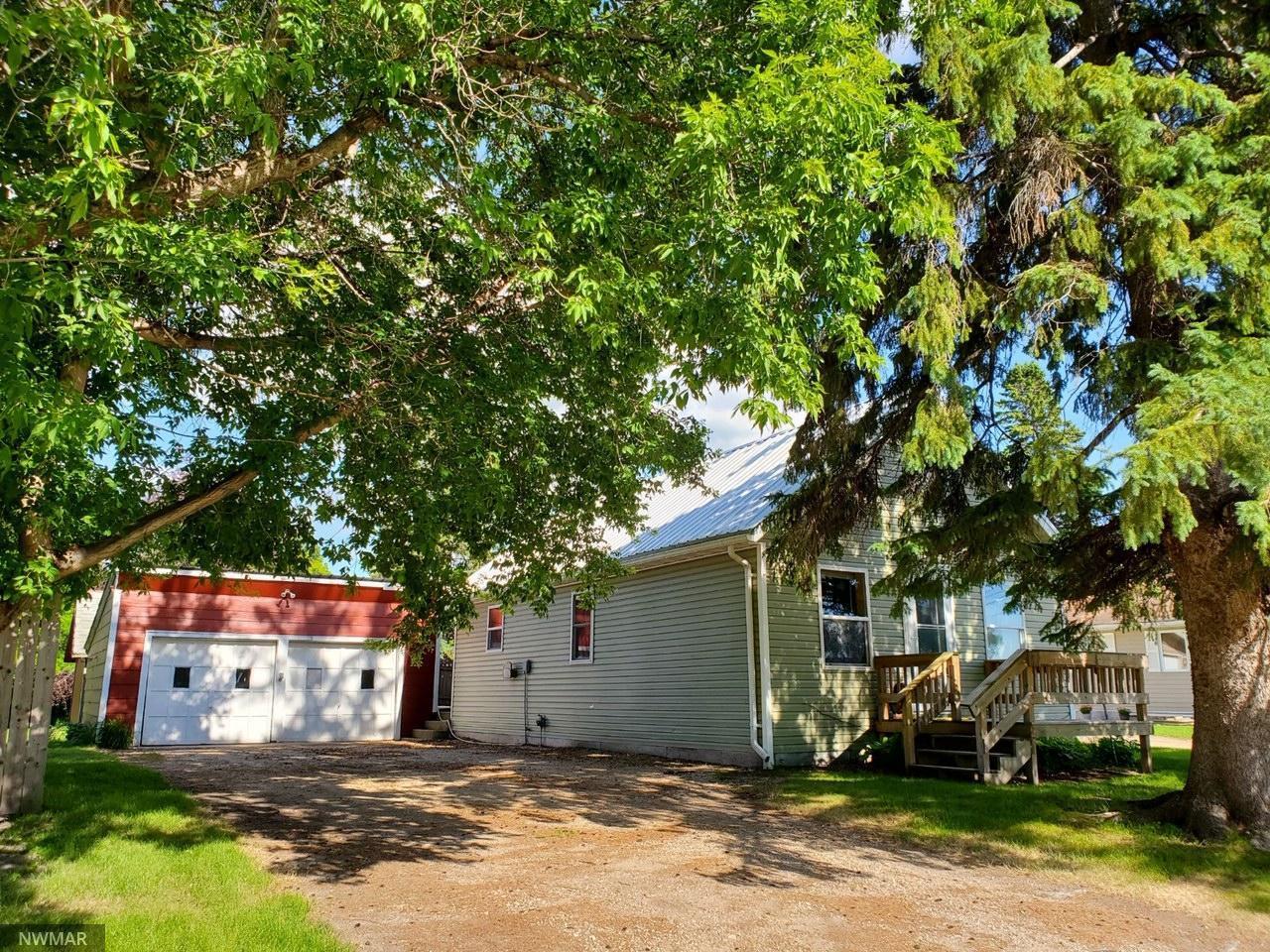 711 Dow Avenue SE, Red Lake Falls, MN 56750