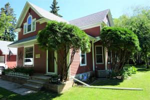 706 Main Avenue N, Roseau, MN 56751