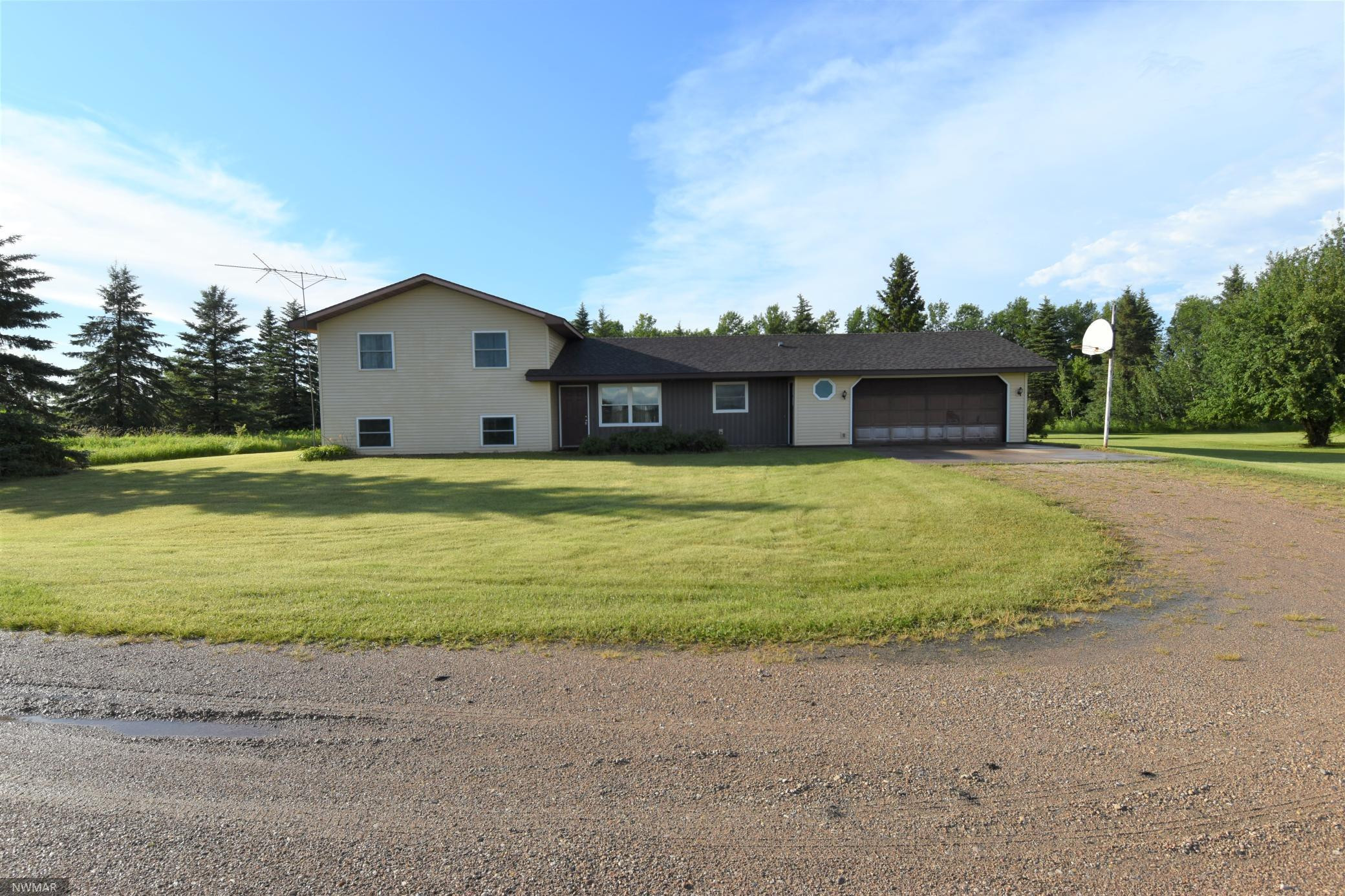 32190 170th Avenue NW, Newfolden, MN 56738