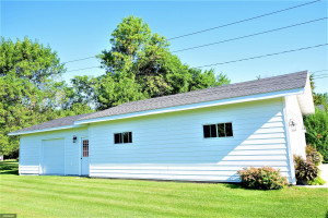501 11th Avenue SE, Roseau, MN 56751