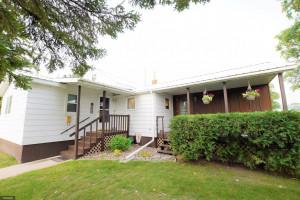 609 4th Street NE, Roseau, MN 56751