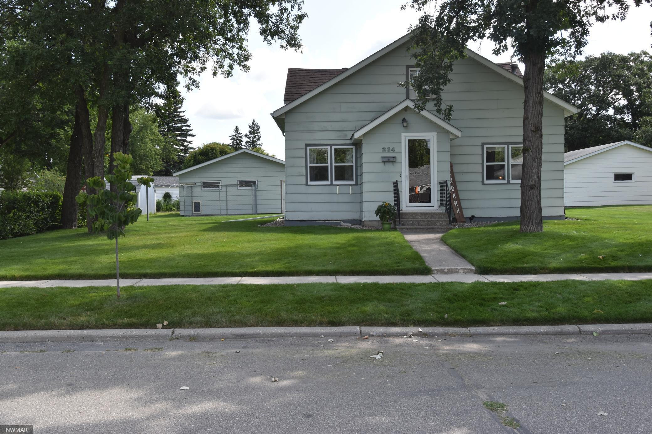 214 Kneale Avenue N, Thief River Falls, MN 56701