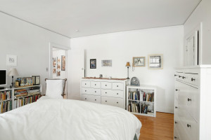 The bedrooms are all spacious and bright thanks to the many windows. 1484 Summit Avenue, St. Paul, MN.