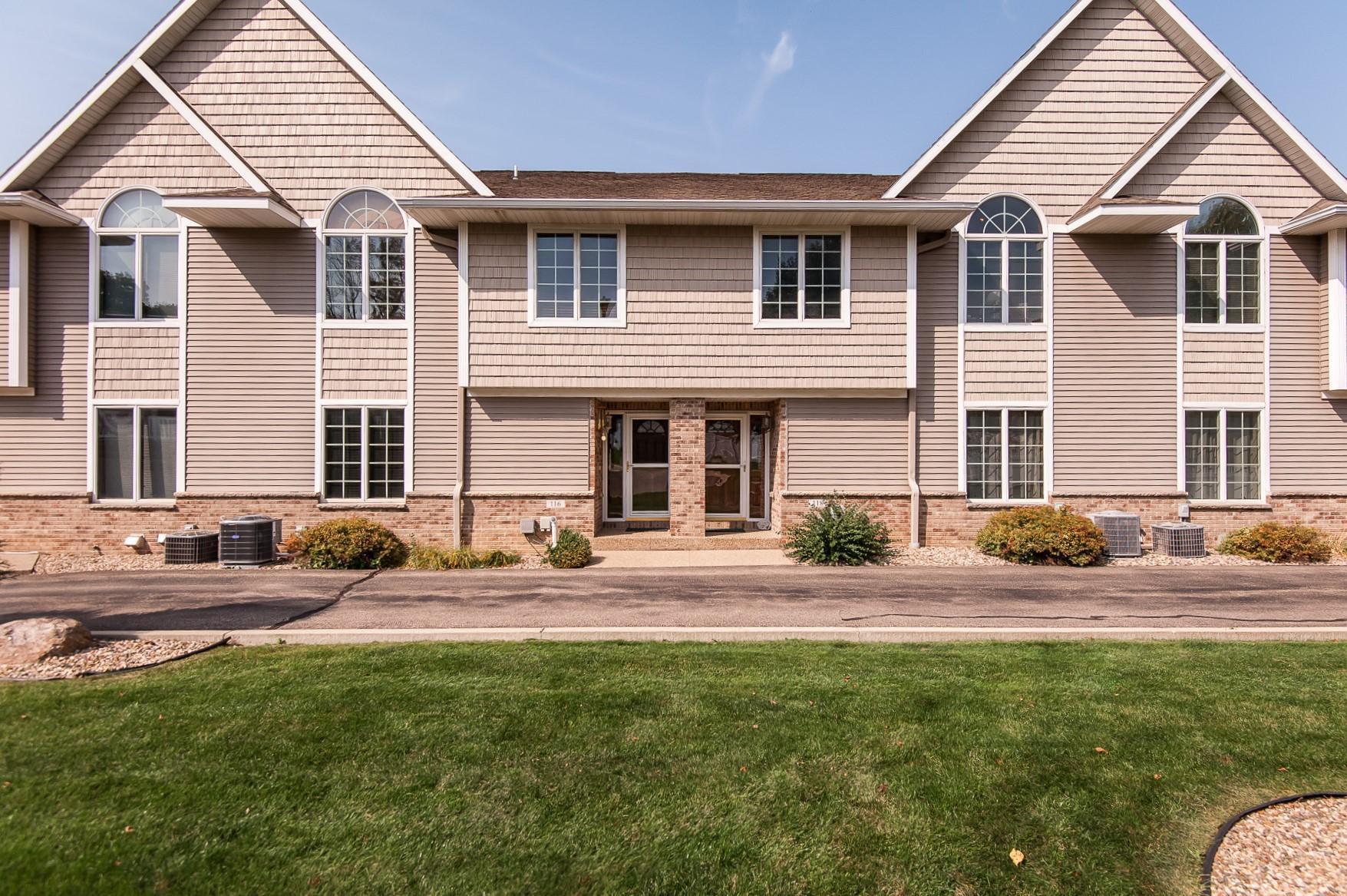 116 River Oaks Circle NE, Stewartville, MN 55976