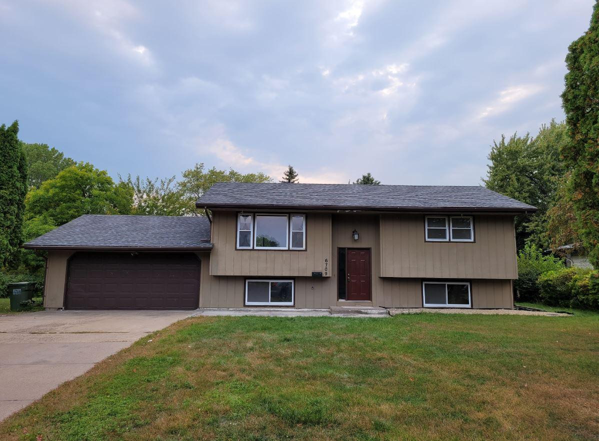 6709 Colorado Avenue N, Brooklyn Park, MN 55429