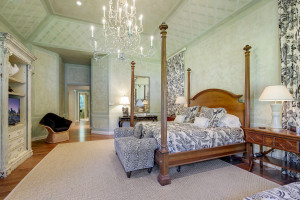 main floor master with huge vaulted ceilings